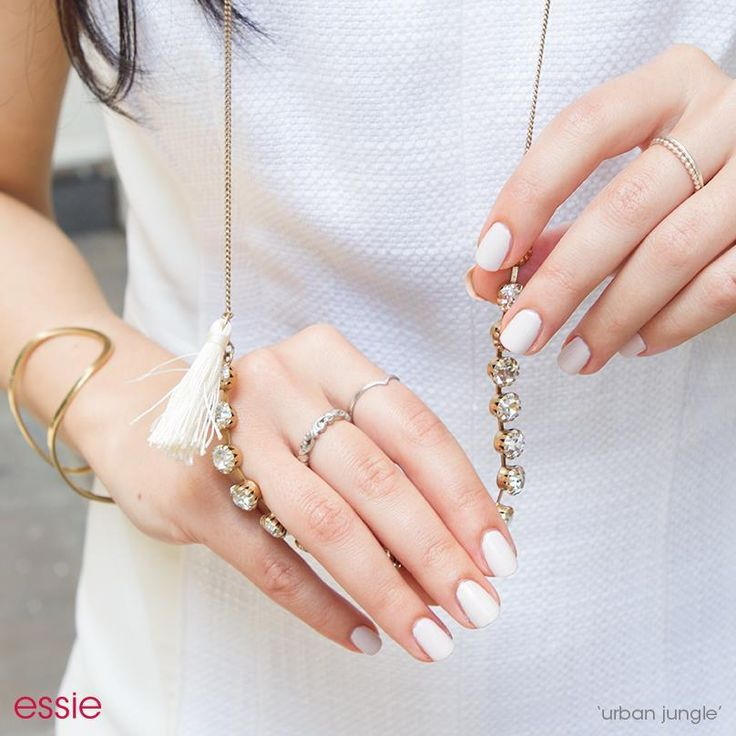 Essie Nail Color Urban Jungle: Manicure Monday: My All-Time Favorite Neutral Nail Colors