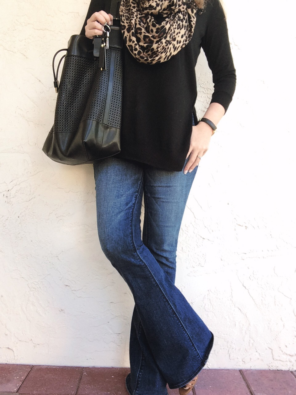 A Pretty Penny | AE Hi-Rise Artist Jeans and Leopard Scarf