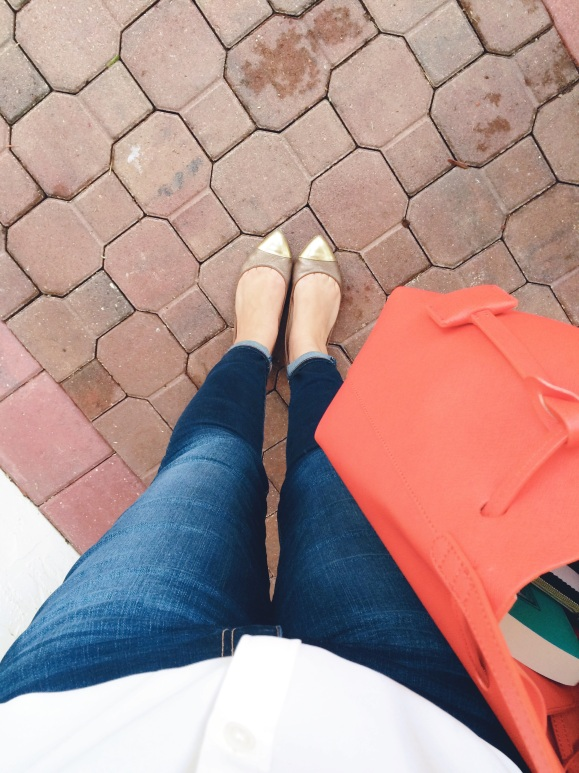 A Pretty Penny Pointy Toe Flats with Skinny Jeans Personal Style Kenneth Cole Dover Bucket Bag