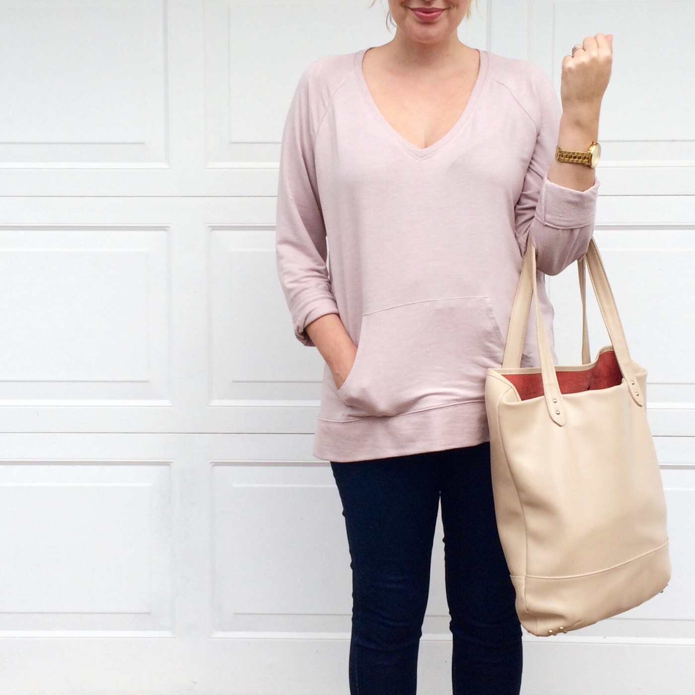 casual style, Victorias Secret pullover, AE Skinny Jeggings, Lauren Merkin leather tote, style blogger,