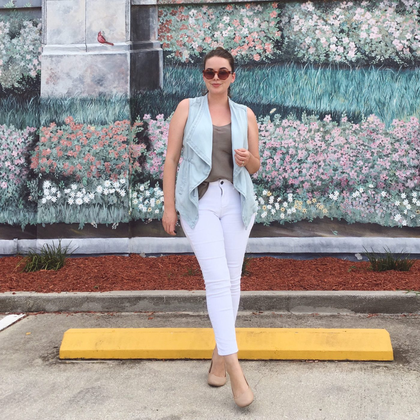 Summer OOTD Chico's Draped Chambray Vest   keiralennox.com