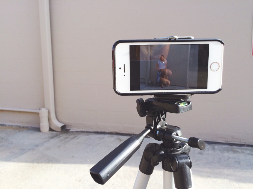 How I Take My Own Outfit Photos With My Smartphone   keiralennox.com